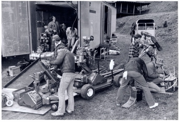 Multiple robots on set